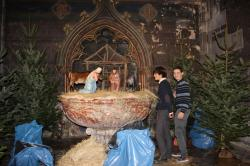 Création de la crèche de la cathédrale de Bayonne décembre 2013