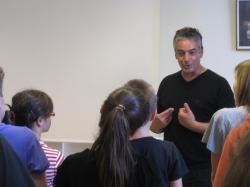 Luc Terrieux en répétition au collège Notre-Dame à Bayonne