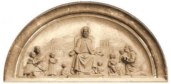 Tympan de la chapelle de la chapelle des Filles de la Croix, rue Douer à Bayonne